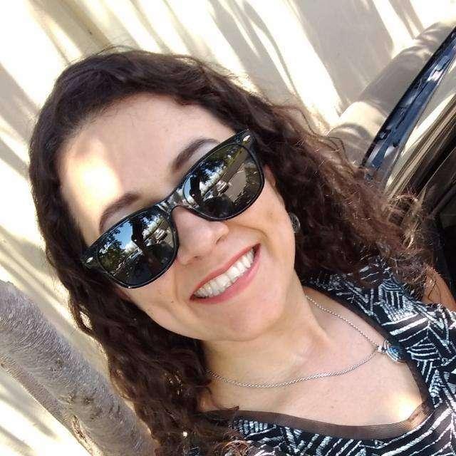 Lívia Menezes Peral (Brasília - DF)