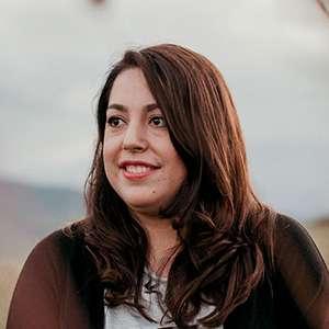 Organiza: Laura López Fernández