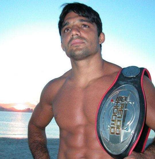Alexandre Pequeno, Campeão Mundial de MMA